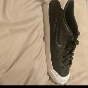 Nike all court 2 shoes